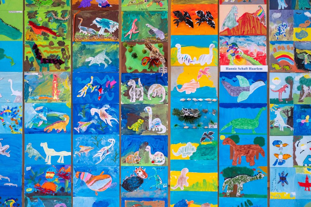 Dinokunst in het museumcafe van Teylers Museum