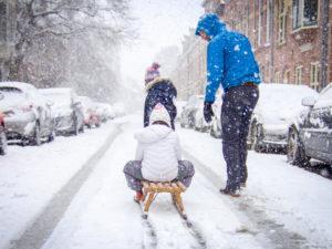 Sleeën in en rond Haarlem_kind op slee_sleehellingen