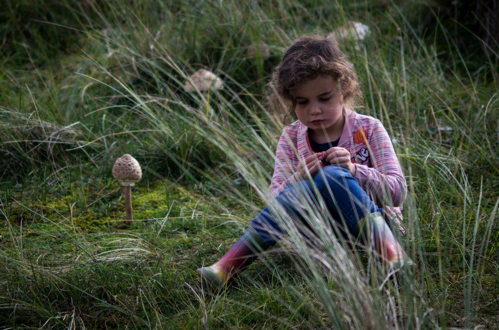 Eva_07 - Spelen tussen de paddestoelen