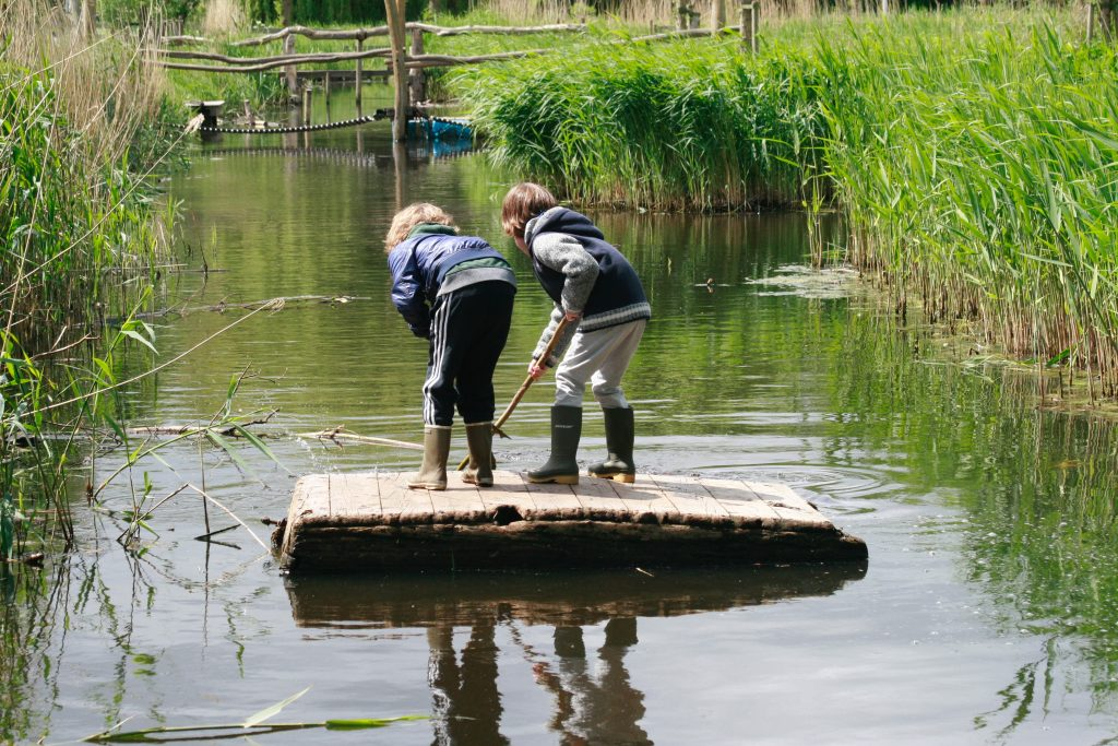 Build your own raft at Woeste Westen
