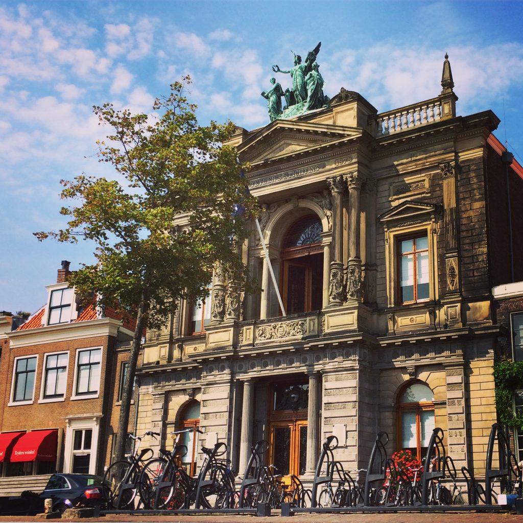 Teylers Museum Haarlem vanaf het water bewerkt